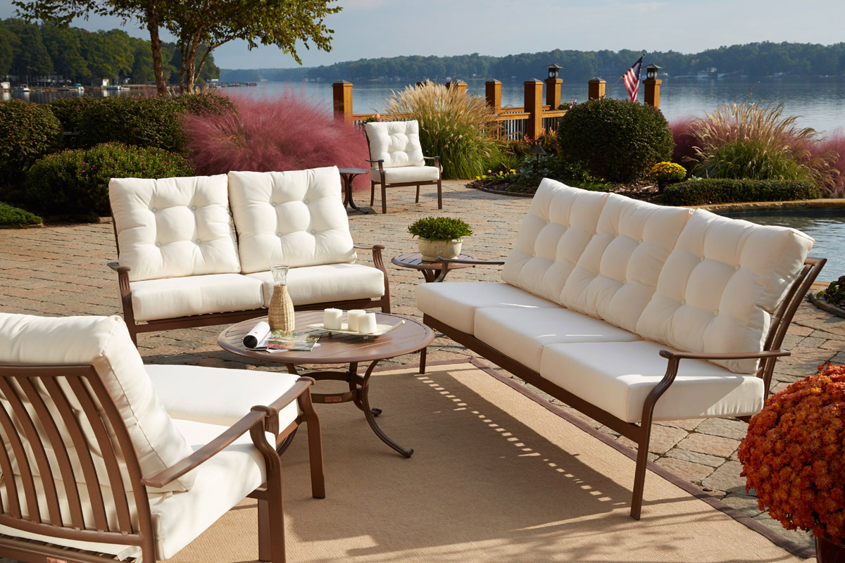 How to choose the best material for outdoor furniture for Aluminum patio furniture