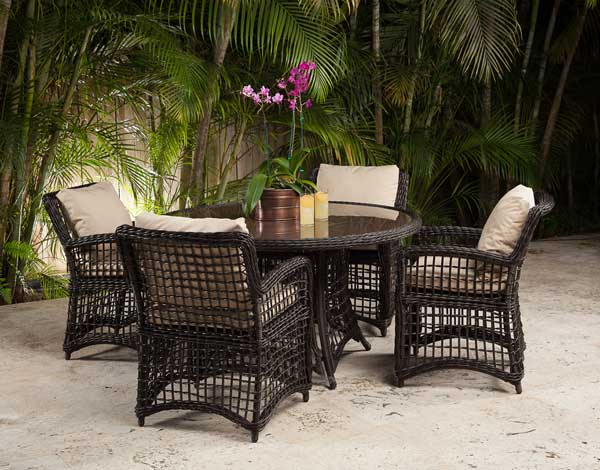 Best Outdoor Wicker Dining Set