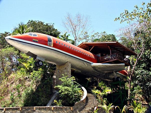 Boeing 727 Airplane Tree House