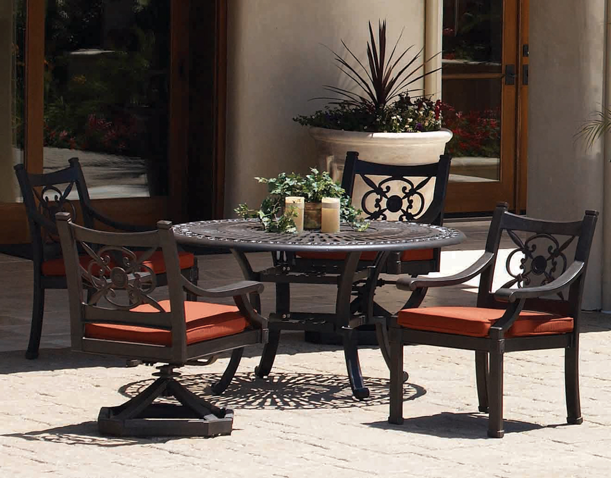 Del Mar Outdoor Dining Set - Featured Product Of The Month: The Del Mar Outdoor Dining Set
