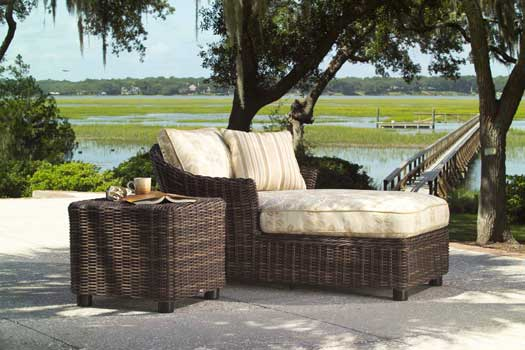 Thick Wicker Furniture Sets With Rounded Strands