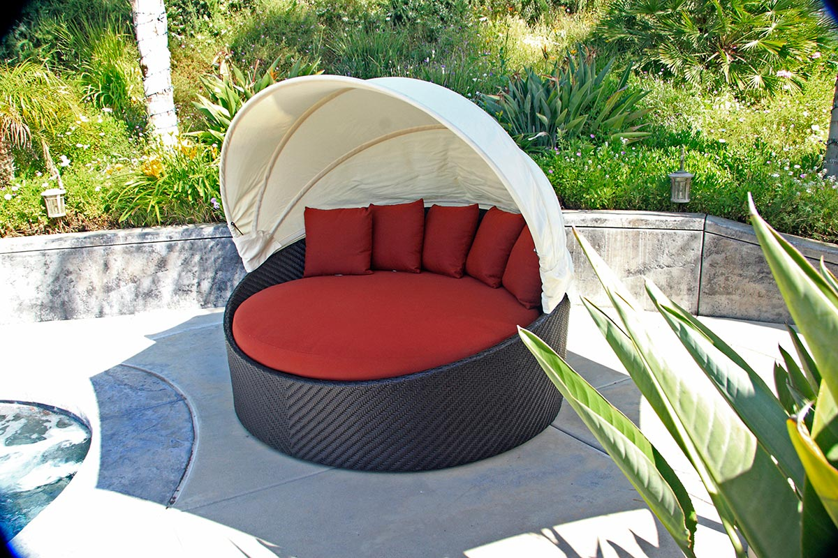 wink canopy daybed outdoor patio furniture design style ideas inspiration tips advice best lounge relax sleep & 10 Outdoor Daybeds Youu0027ll Want to Use Indoors