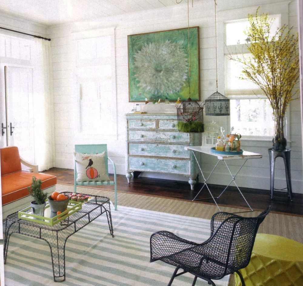 These outdoor chairs looks great inside! - Home Tip: Using Outdoor Furniture Indoors