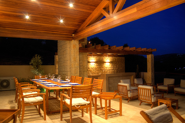 9 enchanting outdoor lighting ideas for your home for Terrace lighting