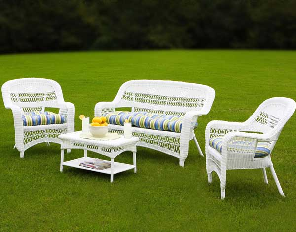 Portside White Wicker Sofa Set. White Outdoor Wicker Furniture   20 Sets to Choose From