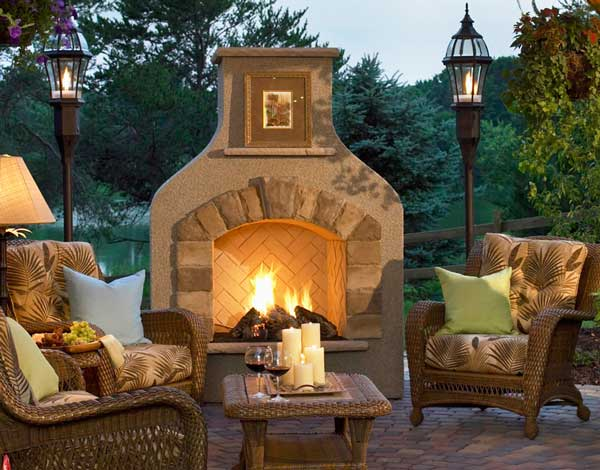 Sonoma Outdoor Fireplace from Outdoor Greatroom Company