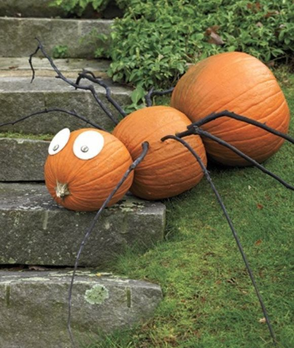 5 Spooky Last Minute DIY Decorations To Give Your Patio