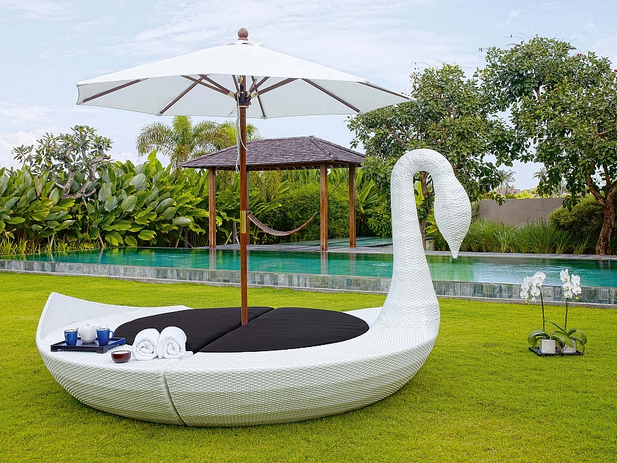 Swan Outdoor Daybed