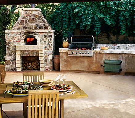 Fire Pit and Brick Oven